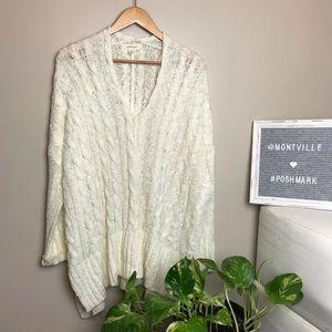 Onetheland Small winter White V-Neck Sweater